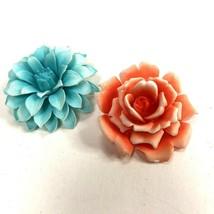 Vintage Brooch Lot of 2 Flower Pins Plastic Blue Orange Hippy Mod - $16.82