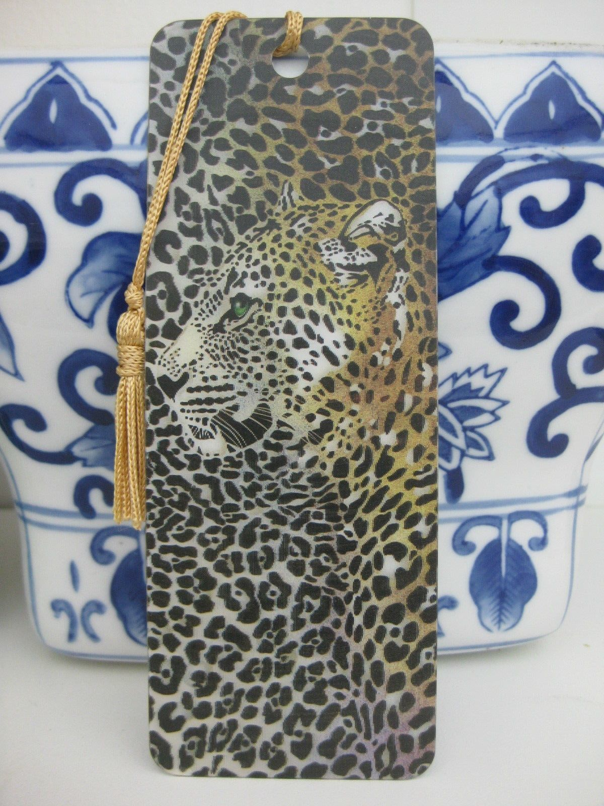 Primary image for LEOPARD CHEETAH BOOKMARK 3D Motion Hologram TASSEL TRENZ USA MADE