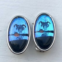 Vtg Tropical Beach Scene Iridescent Bubble Lucite Clip On Oval Picture Earrings - $19.79