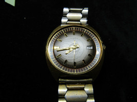 Rare Solar System Dial 1970'S Timex Windup Date Watch Runs Slow For Restoration - $95.00