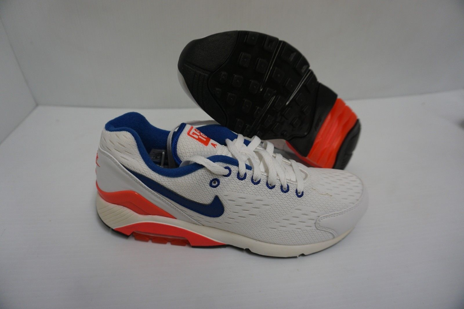 big sale 5bb62 8ef59 Nike air max 180 em running shoes size 10.5 and 50 similar items. 57