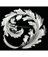 "Monet Silvertone Cricle Brooch Pin 3"" Diameter Nice Free Shipping - $12.86"