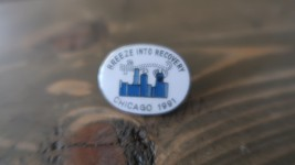 Vintage Breeze into Recovery Addiction Lapel Pin Chicago 1991 - $7.12