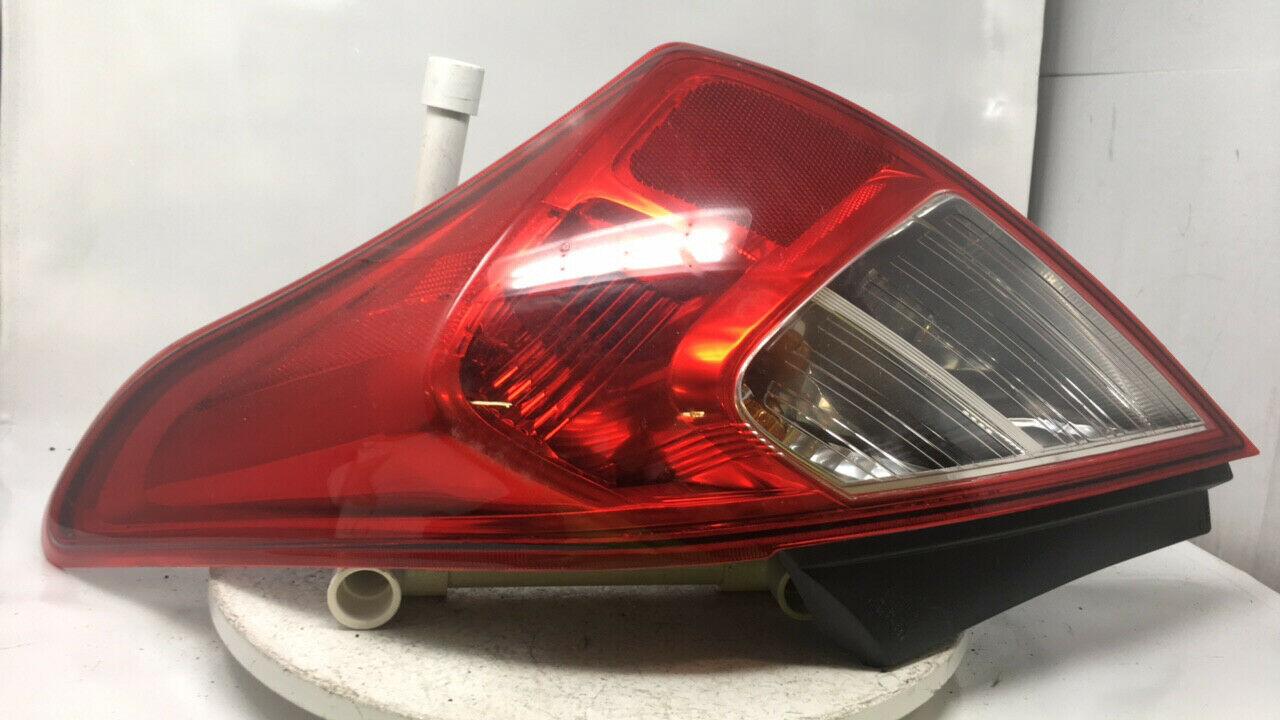 Outer Quarter Panel Mounted Tail Light Lamp Passenger Side RH for Nissan Maxima