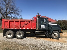 2001 MACK CH613 For Sale In Jim Thomas External Registration, Texas 75452 image 1