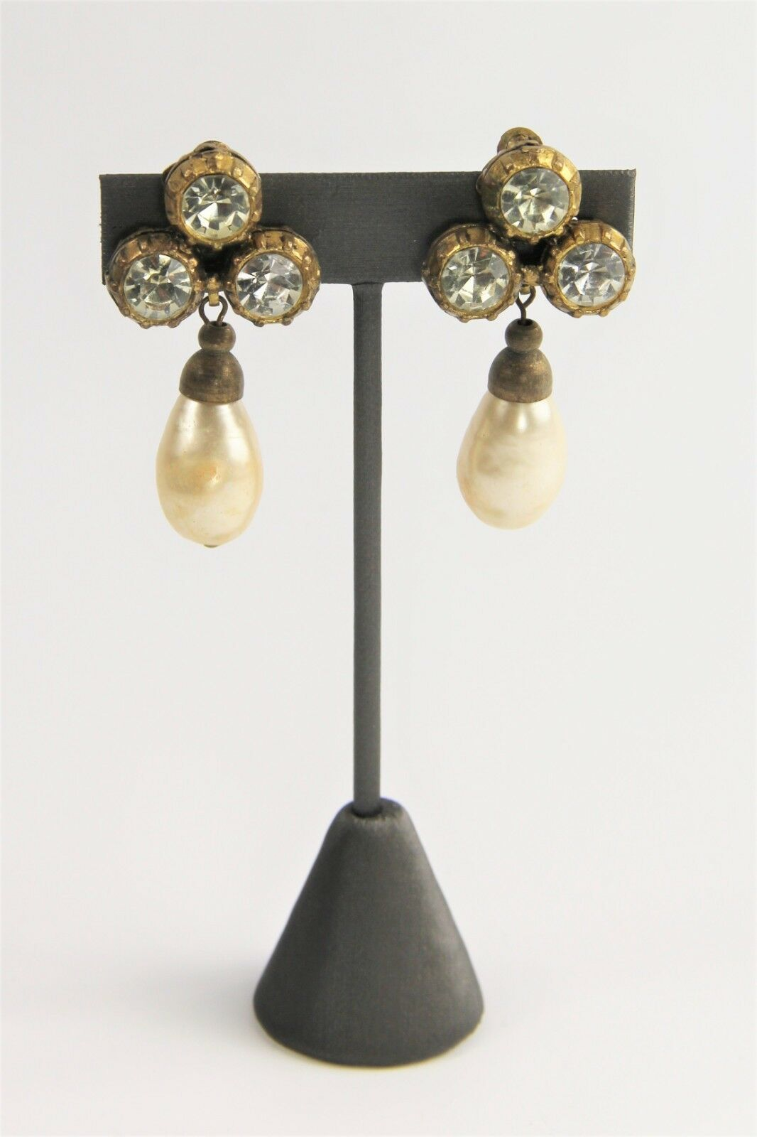 ESTATE VINTAGE SIGNED CHANEL 1984 MABE GLASS PEARL RHINESTONE DANGLE EARRINGS image 4