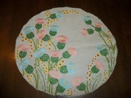 1920's ART DECO LINEN EMBROIDERED THISTLE FLOWER DOILY TABLE TOPPER CHIC... - $41.79