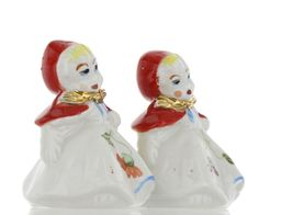 "Hull Little Red Riding Hood 3"" Salt and Pepper Table Shaker Set AAA image 8"