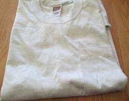 Men's Pocket T-Shirt Fruit of The Loom 2XLGray Color 100 Cotton Pre-Shrunk - $4.69
