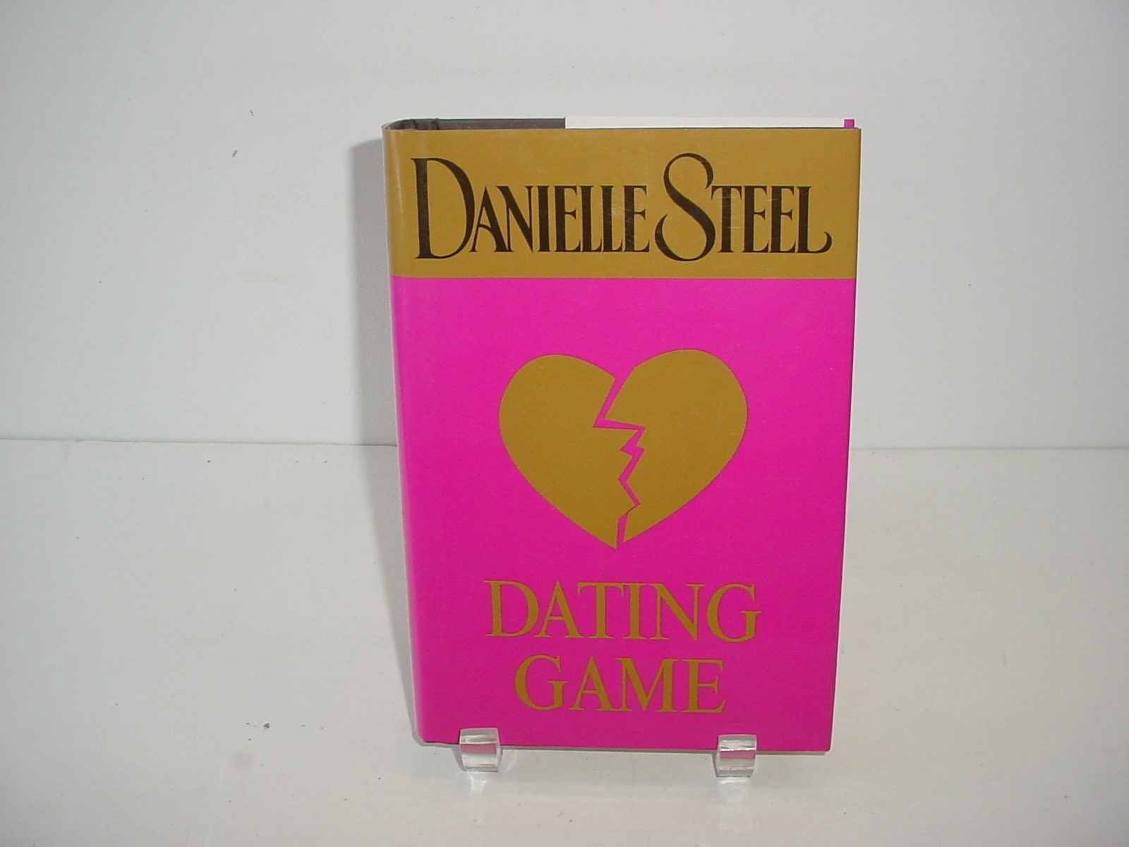 Primary image for Dating Game by Danielle Steel (2003, Hardcover) Novel Book