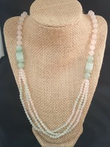 PINK QUARTZ AND GREEN  MULTI STRAND NECKLACE VINTAGE NO CLASP - $13.00