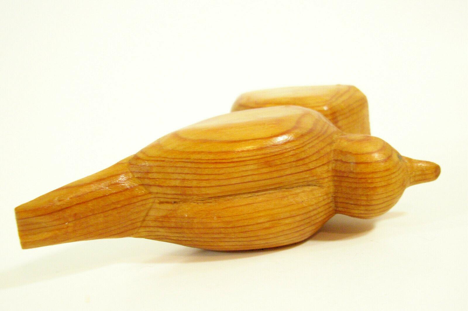HAND CARVED WOOD BIRD FIGURINE FIGURE FOLK ART PRIMITIVE SPARROW BEAUTIFUL GRAIN