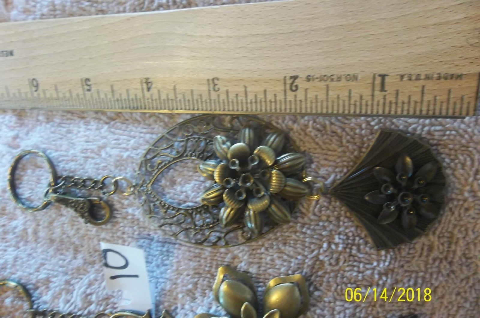 # purse jewelry bronze color keychain backpack filigree charm floral 10 lot of 2