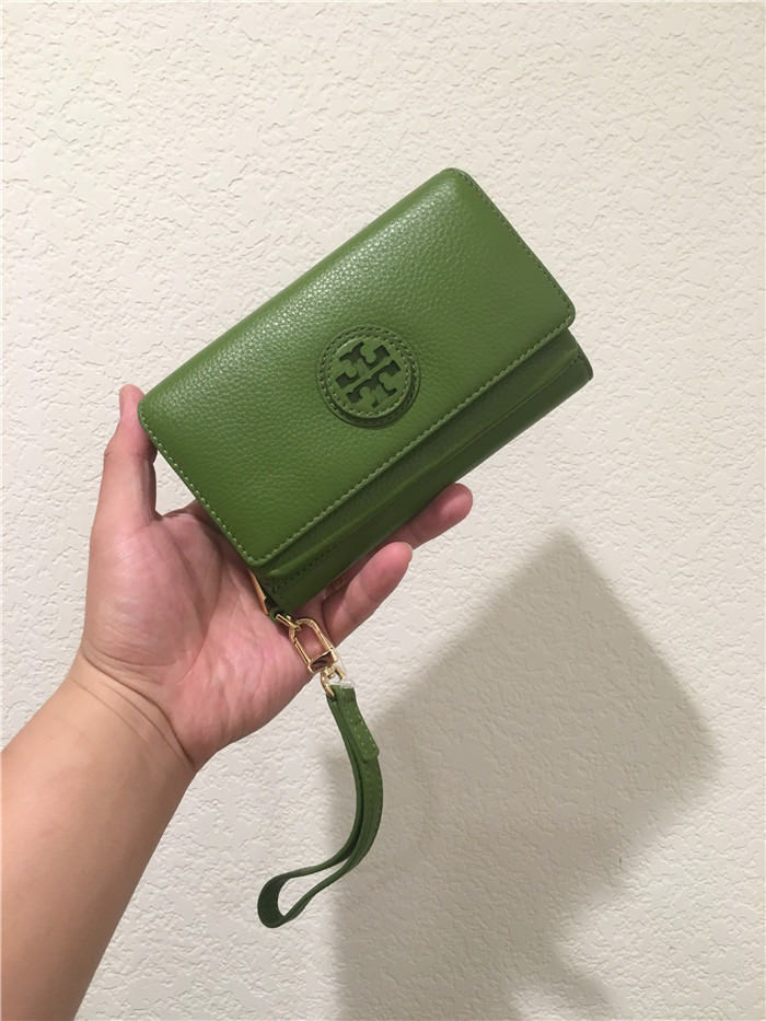 50093e5515bc Tory Burch Marion Smartphone Wristlet Wallet and 50 similar items. 57