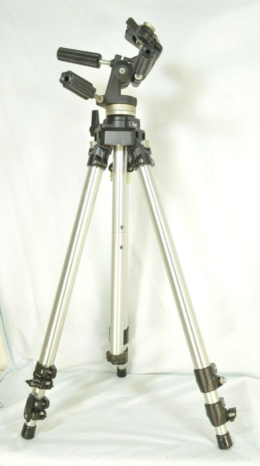 Manfrotto Bogen 3021 pro camera tripod +3047 Deluxe 3-way Pan/tilt Head