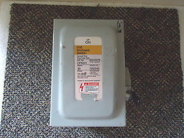 Siemens I-T-E Enclosed Switch Cat.No.CFN311 Service Disconnect Box 30 Amps - $65.44