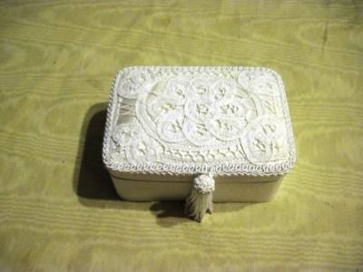 Battenburg Lace Decor Heirloom Collections Valentines Jewelry Presentation Box image 3