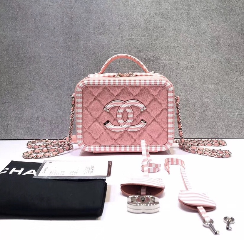 a1ce95b1331e6c NEW AUTH CHANEL 2019 PINK CAVIAR FILIGREE CC SMALL VANITY CASE BAG ...