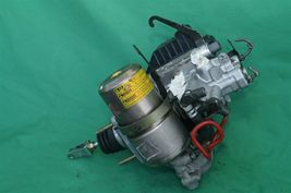 01-02 Toyota 4Runner ABS Brake Master Cylinder Pump Actuator Controller Module image 5