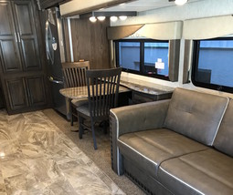 2019 Coachmen Sportscoach 404 RB For Sale In Davie, FL 33331 image 4