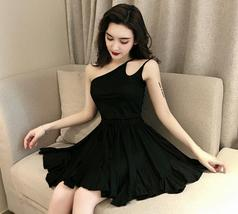 Solid color sexy off-the-shoulder personality unilateral sling skater dress image 6