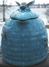 Vintage BLUE Ceramic TROPIC BEE NATURAL WILD HONEY JUG with BEE COVER image 3