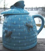 Vintage BLUE Ceramic TROPIC BEE NATURAL WILD HONEY JUG with BEE COVER image 5
