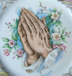 Vintage PRAYING HANDS Religious Porcelain Plate MADE IN JAPAN image 5