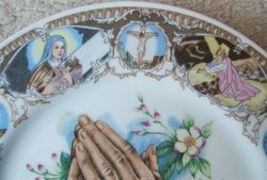 Vintage PRAYING HANDS Religious Porcelain Plate MADE IN JAPAN image 6