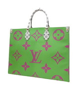 Louis Vuitton ONTHEGO Tote Giant Pink Monogram bag 2019 ON THE GO M44570... - $4,732.20