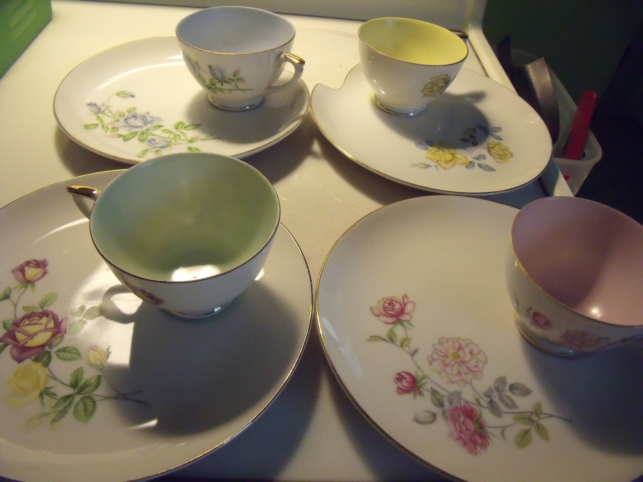 Primary image for Lefton 4 Floral Design Snack Plates w/ Coordinating Cups w Gold Trim circa1965