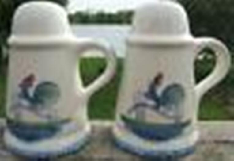 Roosters Strutting Whimsical Vintage Ceramic Salt and Pepper Shaker Set  1970s
