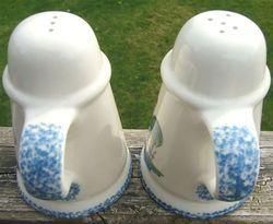 Roosters Strutting Whimsical Vintage Ceramic Salt and Pepper Shaker Set  1970s image 3
