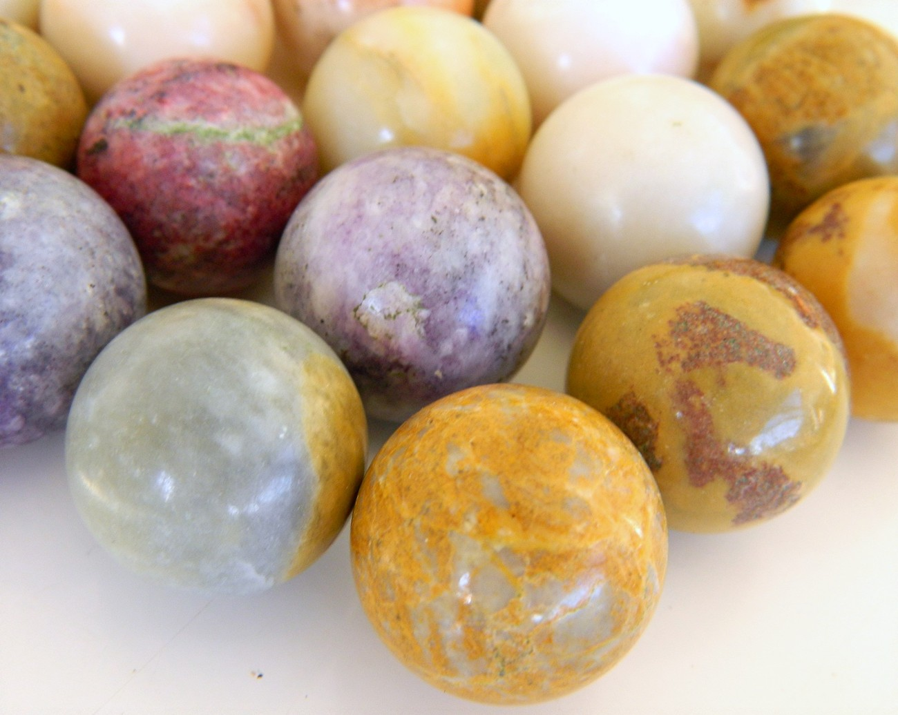 Mixed Lot 36 Stone Mineral Shooter Marbles Toys Game
