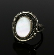 Vintage .925 Sterling Silver 4.1g Chunky Mother of Pearl Rope Design Rin... - $23.60