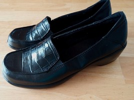 CLARKS LADIES BLACK LEATHER SLIP-ON SHOES-66856-6M-GENTLY WORN-NON-SLIP ... - $14.00