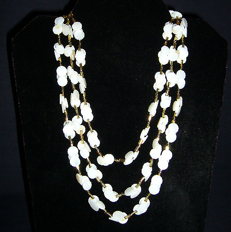 Handmade Pearlized Button Necklace C1960s