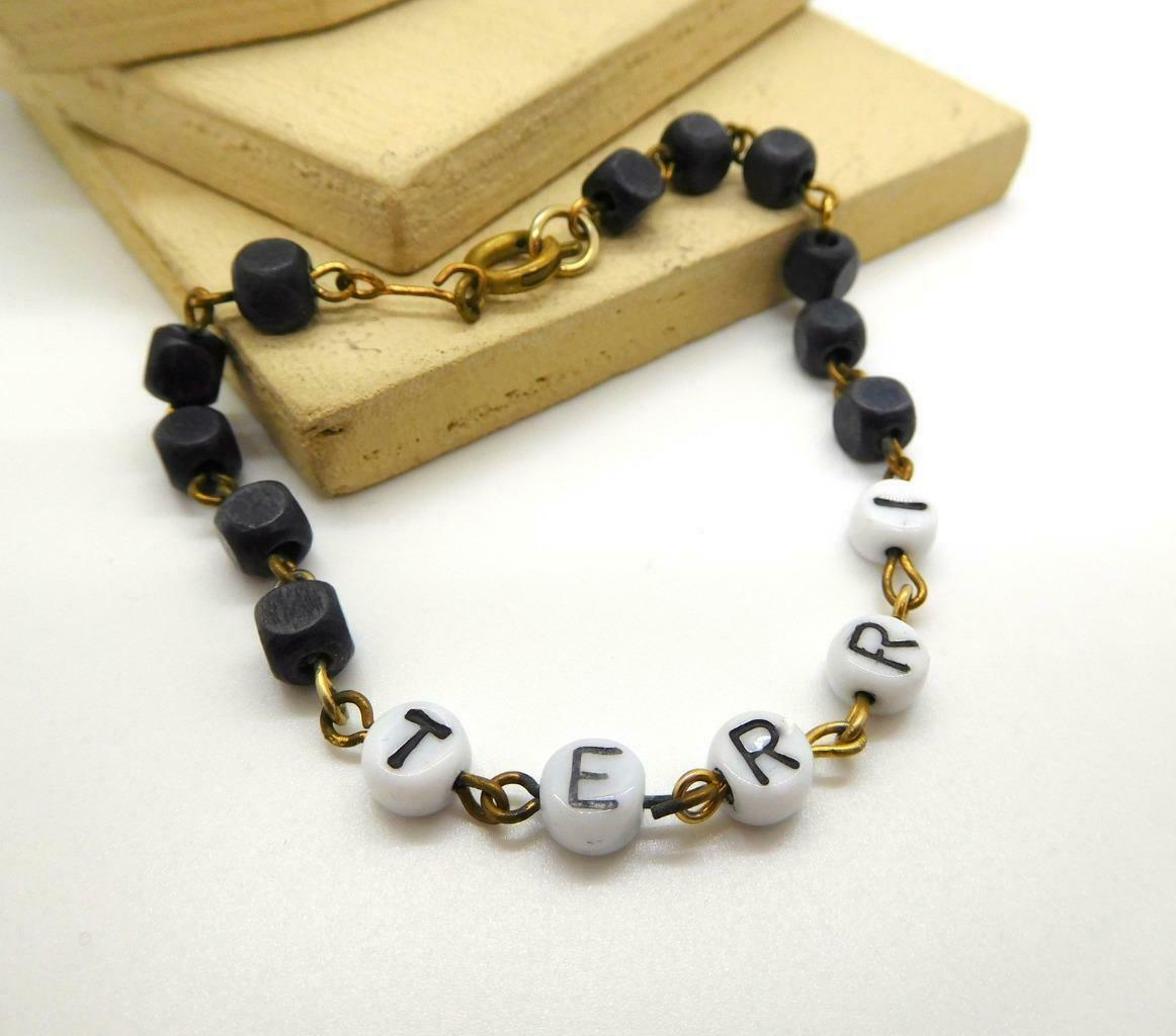 Vintage Terri Black White Bead Name Bracelet AA39