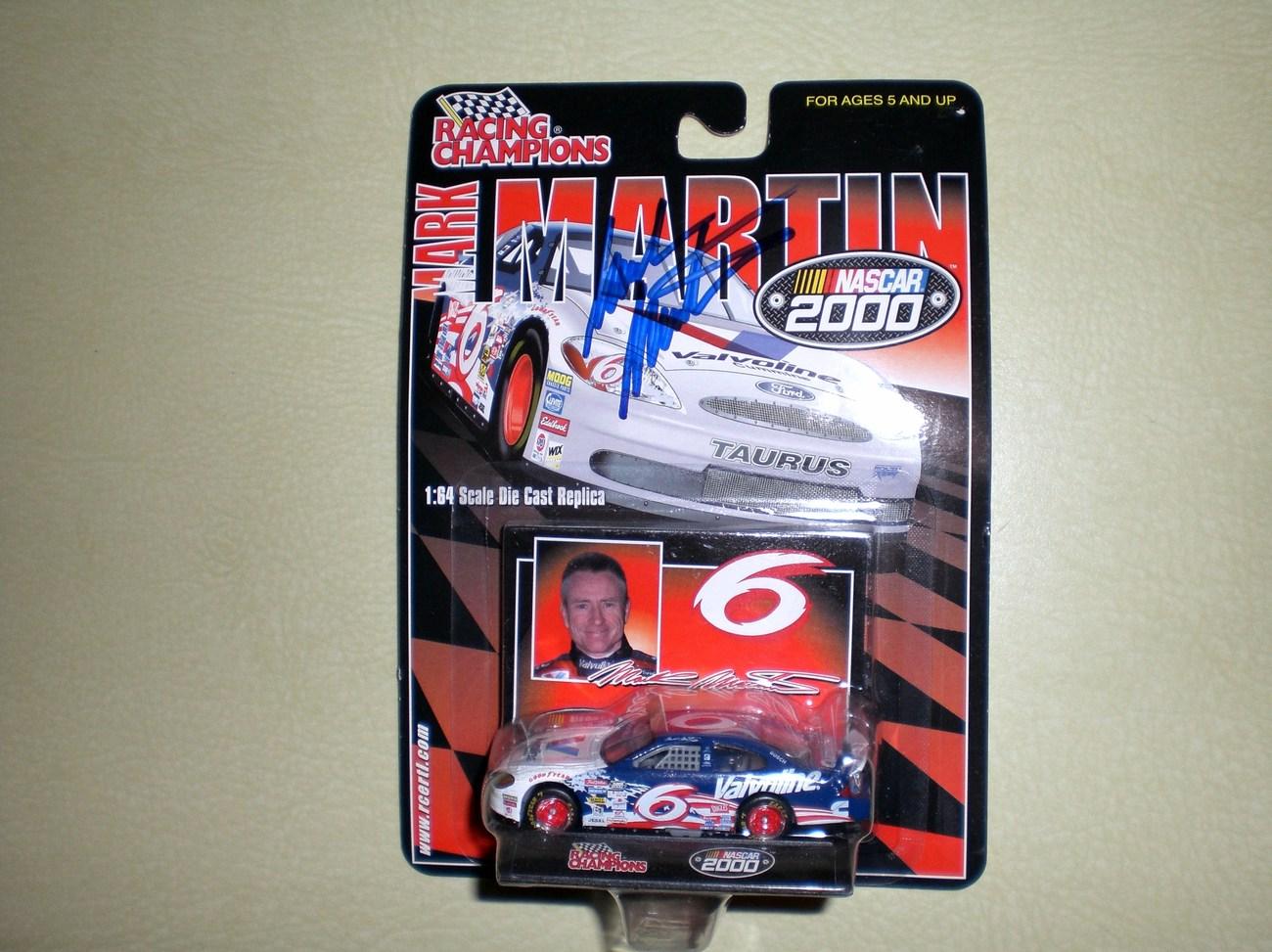 Mark Martin AUTOGRAPHED 1/64 Nascar diecast car
