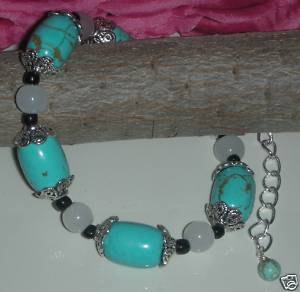 Gorgeous Genuine Natural Turquoise and White Agate Beads Bra
