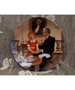 ORPHAN ANNIE Souvenir Collector Plate BRADEX KNOWLES Limited Edition TOM... - $19.95