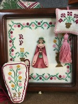 Romy's Creations Counted Cross Stitch Pattern Lady Romina A Bee C Sewing... - $19.95