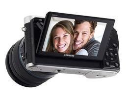SAMSUNG NX300M Smart Camera with 18-55mm Lens Black/Self-Shot NEW image 3