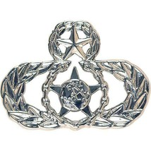 Mid Size Genuine U.S. Air Force Usaf Breast Badge: Master Safety - $14.83