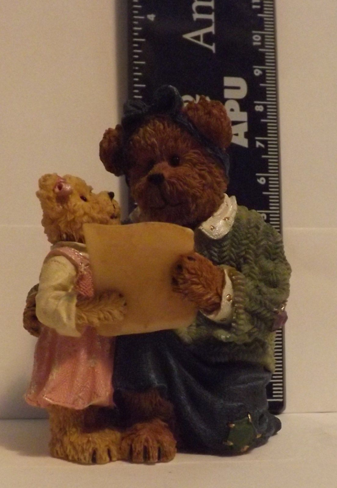 Boyds Bear Resin Ali and Mom...A Gift of Love