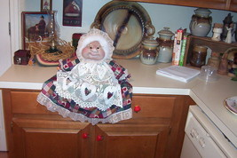 """Soft Sculptured 23"""" Free Standing Grandma Green Check w/ tiny red dot image 4"""