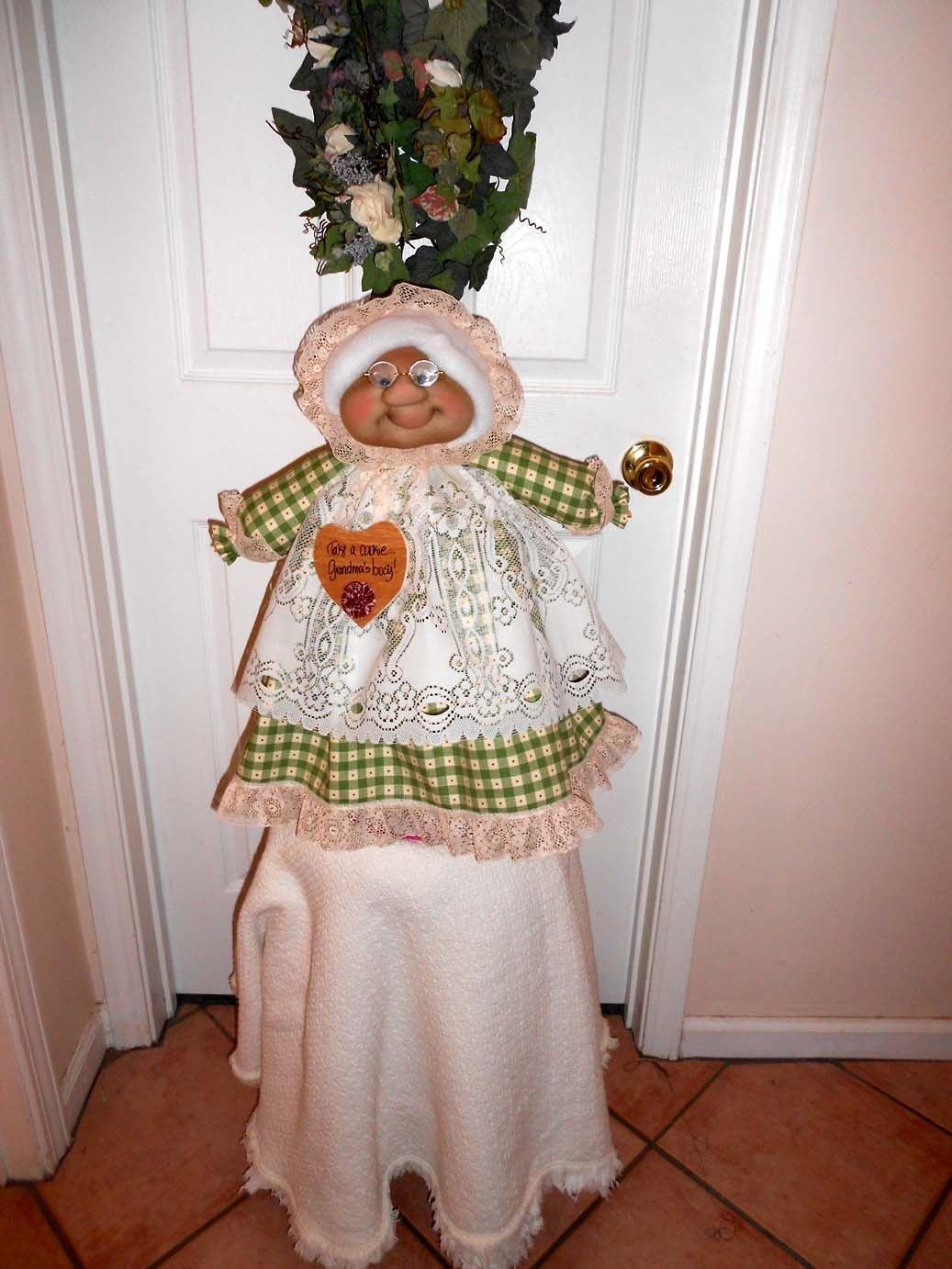 """Soft Sculptured 23"""" Free Standing Grandma Green Check w/ tiny red dot"""