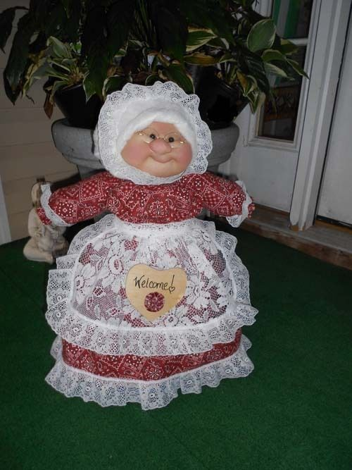 "Soft Sculptured 23"" Free Standing Grandma Red, White Black Kerchief Hankerchief"