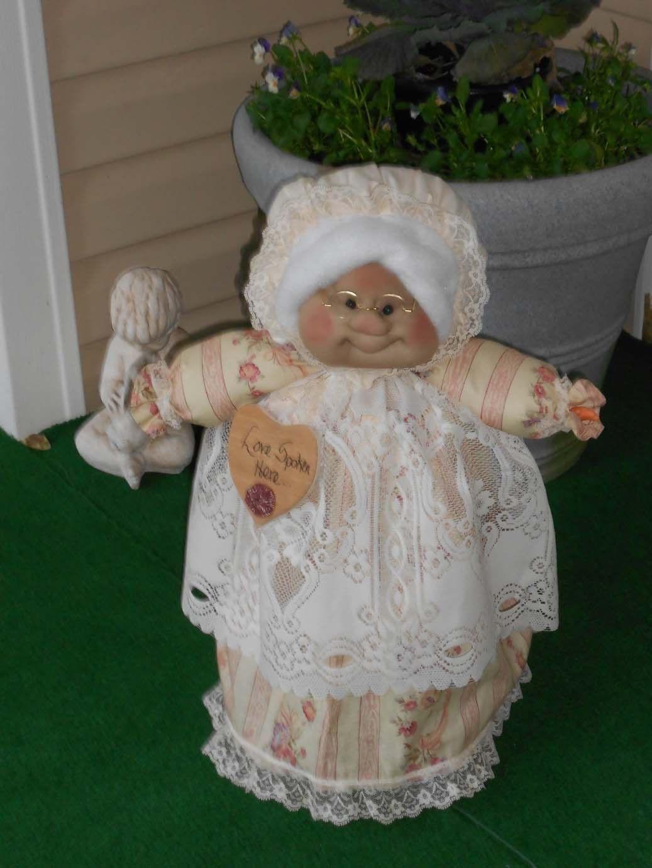 "Soft Sculptured 23"" Free Standing Grandma Victorian Shabby Border Print Roses"