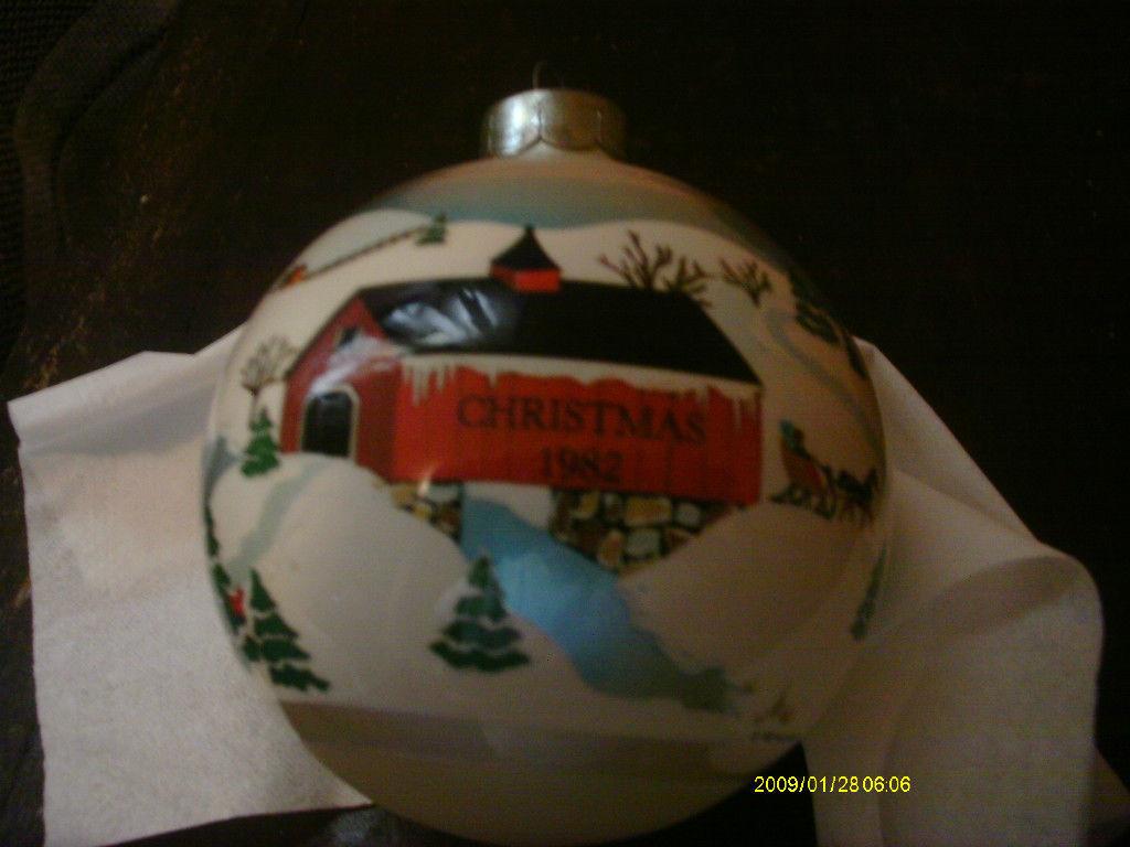 Hallmark Ornament 1982 Grandparents